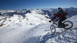 Downthehill Snowride - Spitzkehren im Winter