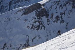 Downthehill Snowride - Mountainbiken vor gewaltiger Kulisse