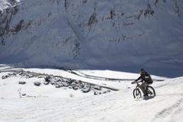 Downthehill Snowride - Mountainbiken hoch über den Häusern
