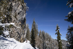 Snowboardtouren Kleinwalsertal - vorbei an Klippen